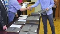 KORUPCIJA Većina studenata u Novom Sadu ubeđena da se diplome mogu kupiti