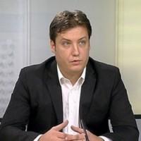 Pretučen Milovan Šuvakov, pomoćnik ministra prosvete